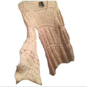 Bisou Bisou crochet top long bell sleeve sz Small